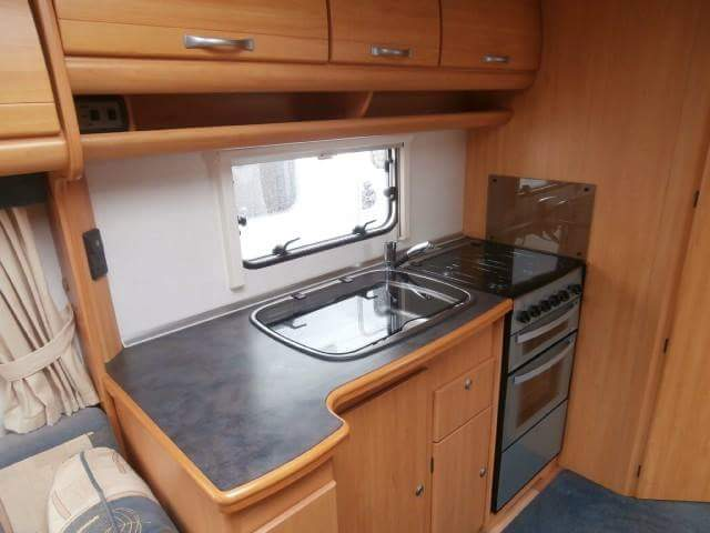 Geist XKlusiv 660 Caravan for Sale - Kitchen