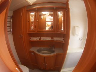 Geist XKlusiv 660 Caravan for Sale - Bathroom